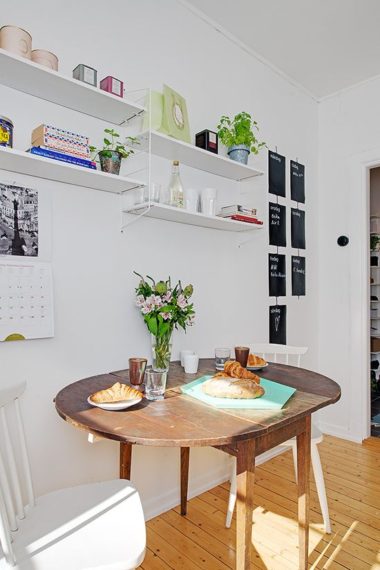 #interior #decor #styling #scandinavian #dining #shelves #vintage