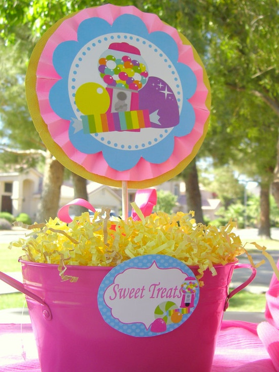SWEET SHOPPE Circles - Candyland / Bubble Gum/ Lalaloopsy Party / Candy Land/ Sweet Shop Party/ Lollipop/ Girl Birthday - Krown Kreations. $3.00, via Etsy.
