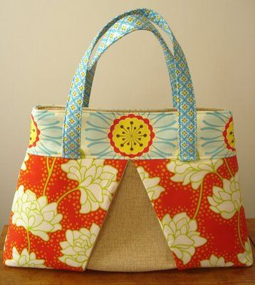 Week-end tote - free pattern.