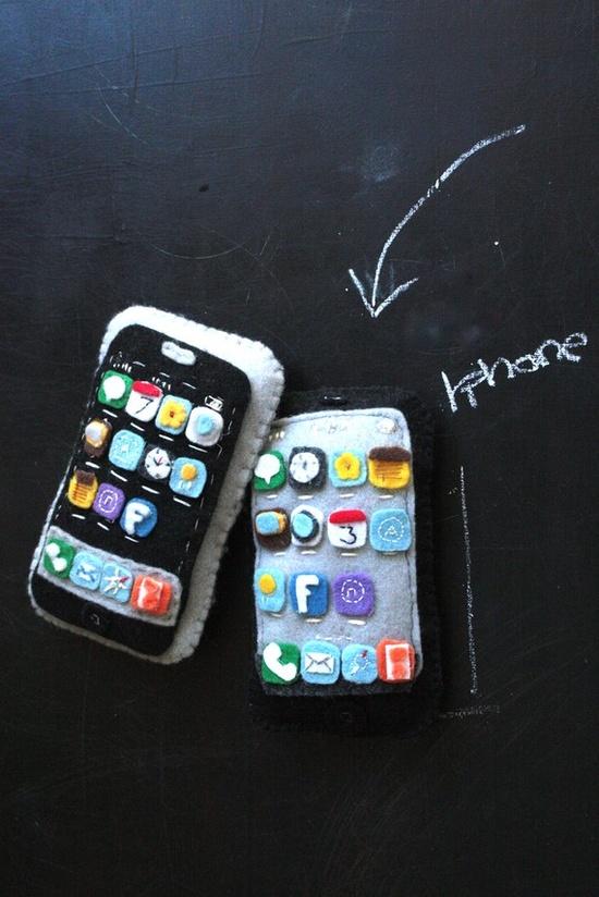 Felt iPhone toy
