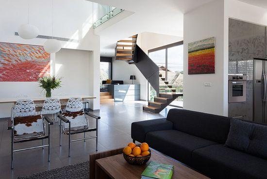 Imposing Trapezoidal Residence Exhibiting an Original Layout in Israel