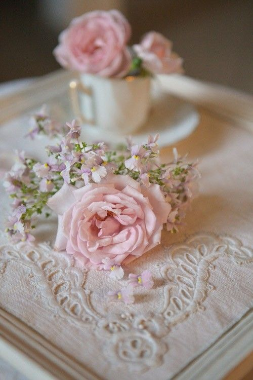 Nothing sweeter than elegant pale pink roses. #wedding #shabby #chic #vintage #pink #roses #flowers