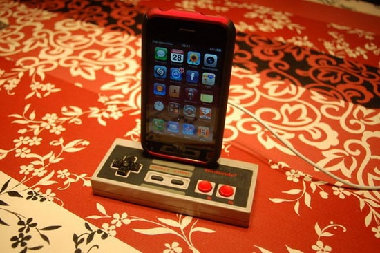 NES Controller Dock - 10 Best iPhone DIY Projects and Crafts