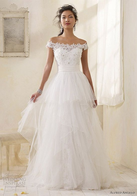 Tiered tulle with lace off the shoulder sleeves. Alfred Angelo 2013.