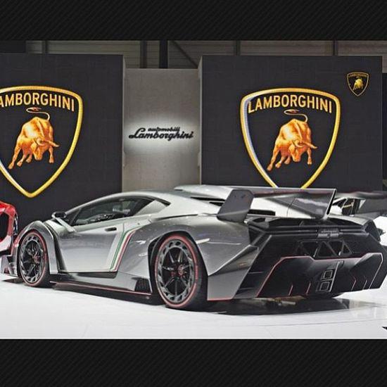 Wicked Lamborghini Veneno!!