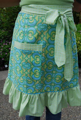 Beautiful apron with tutorial.