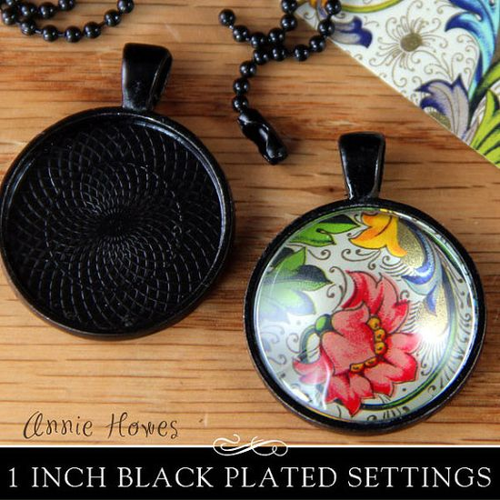 """Black Plated Circle Bezel Pendant Tray with Textured Back. 25mm or 1"""". 25 Pack. Annie Howes."""