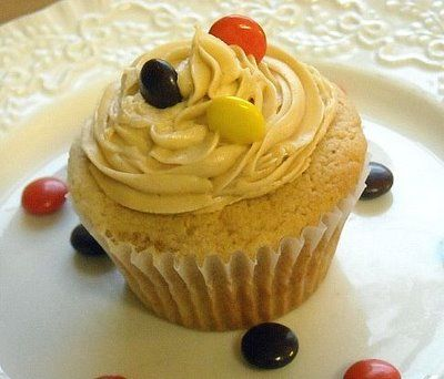 Peanut Butter cupcakes w/ Peanut Butter Frosting
