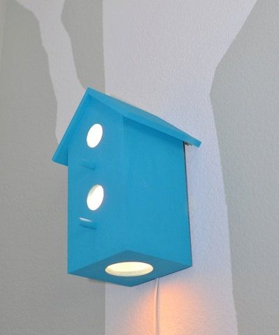Birdhouse lamp.
