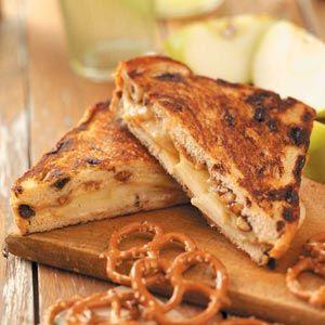 Cinnamon-Apple Grilled Cheese Recipe