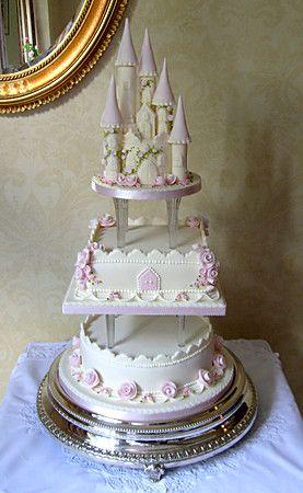 Castlethemed Wedding Cakes