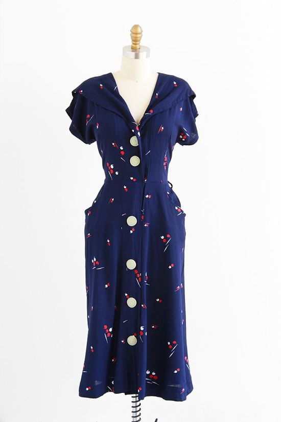 vintage 1940s dress / 40s dress / Navy Blue, Red, and White Apostophe Novelty Print Swing Dress