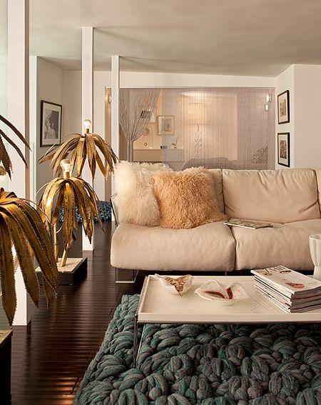 Daun Curry design. so many great textures happening in this room  #interior #design, #home, #inspiration, #decorator, #decor, #Lvmkt, #Hpmkt, #Atlmart