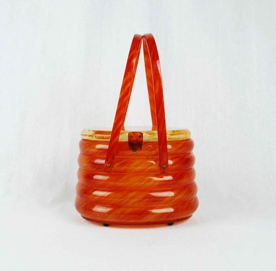 Vintage Beehive Lucite Box Purse // 1950s by independencevintage