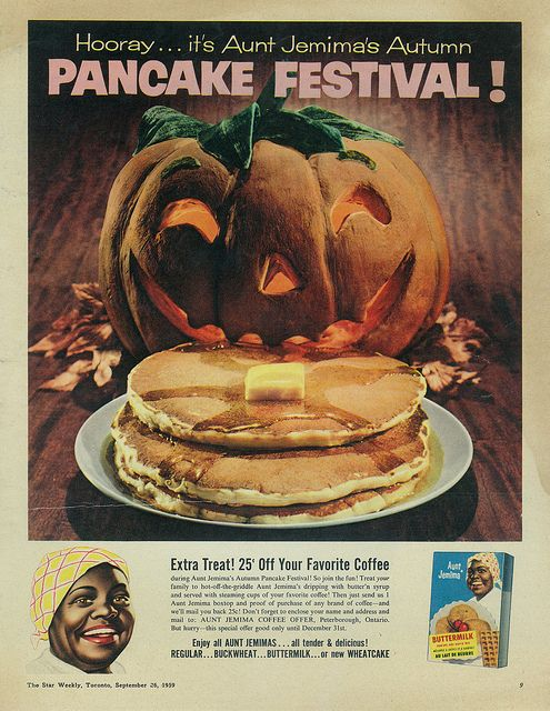 Wonderfully fun Halloween ad for Aunt Jemima Buttermilk Pancake Mix from 1959. #ad #food #pancakes #Aunt_Jemima #vintage #retro #pumpkins #Halloween #breakfast #1950s #fifties