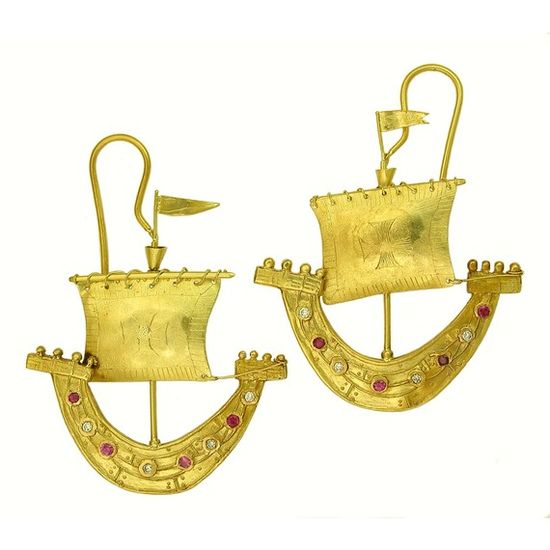 18k gold Sailboat Earrings medieval