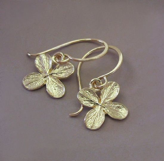 Tiny 14k Gold Hydrangea Flower Earrings by esdesigns on Etsy