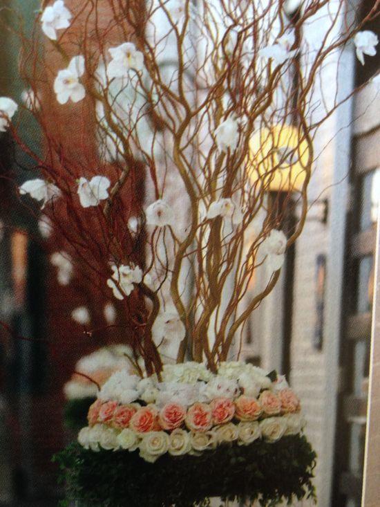 Flower arrangement topiary