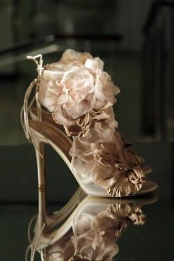 Golden flower heels