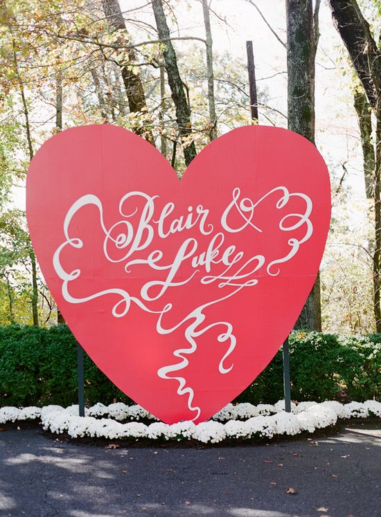 Fun heart shaped welcome sign for the wedding!