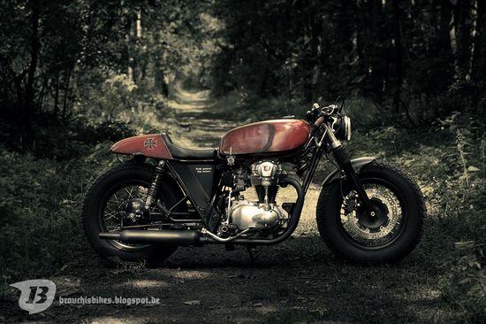 Kawasaki W650 JagdBobber