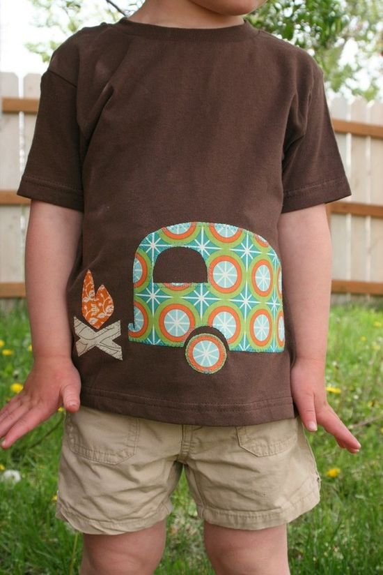 Travel Trailer Campfire Tee