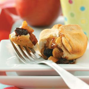 Mini Apple Pies...do this with the kids.