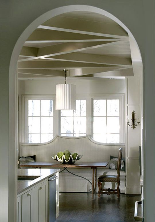 LOVE the ceiling trim and the window set. Very well done!
