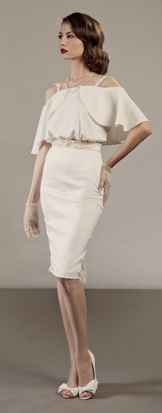 Loving this short vintage hollywood inspired wedding dress www.etsy.com/...