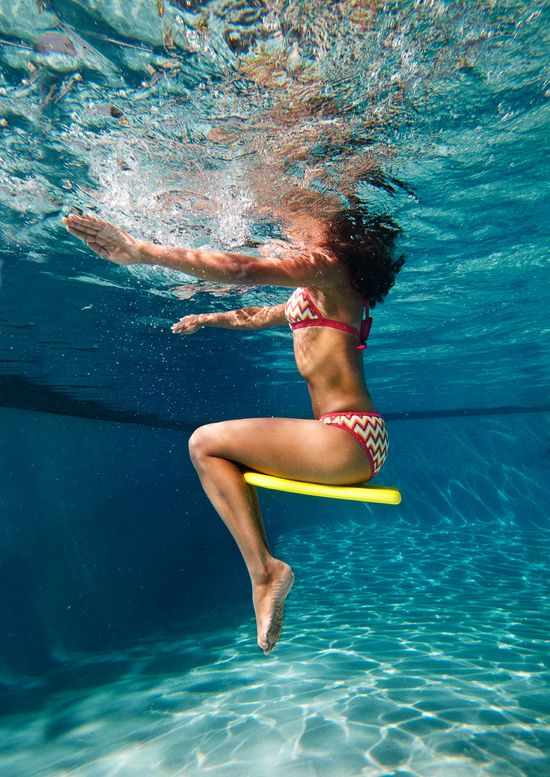Work your upper body during the Water Taxi in our fun pool #workout