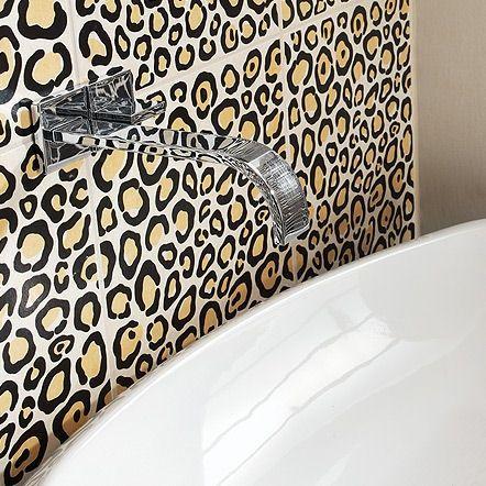 Animal Print Bathroom Decor... @Kaelie Mense Mense Mense Mense Remlinger - look at this! lol