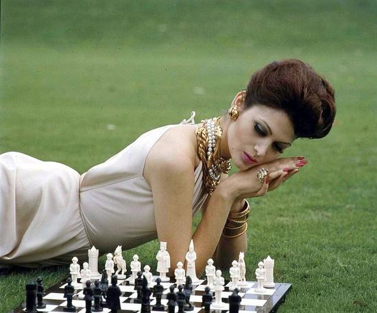 Fashion checkmate! #vintage #fashion #1950s #jewelry #chess
