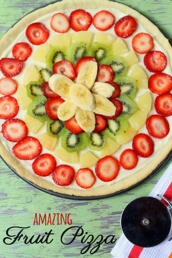 Our family's favorite Fruit Pizza Recipe! It is seriously to die for! { lilluna.com } #fruitpizza