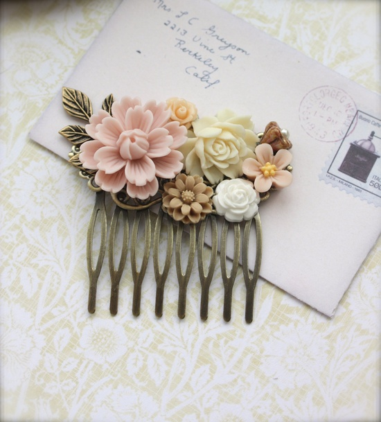 Vintage Inspired Hair Comb. I'm in love!