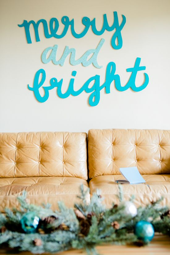 DIY Merry and Bright Holiday Sign