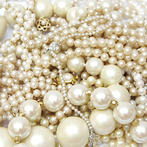 Vintage pearls--love anything vintage in jewelry