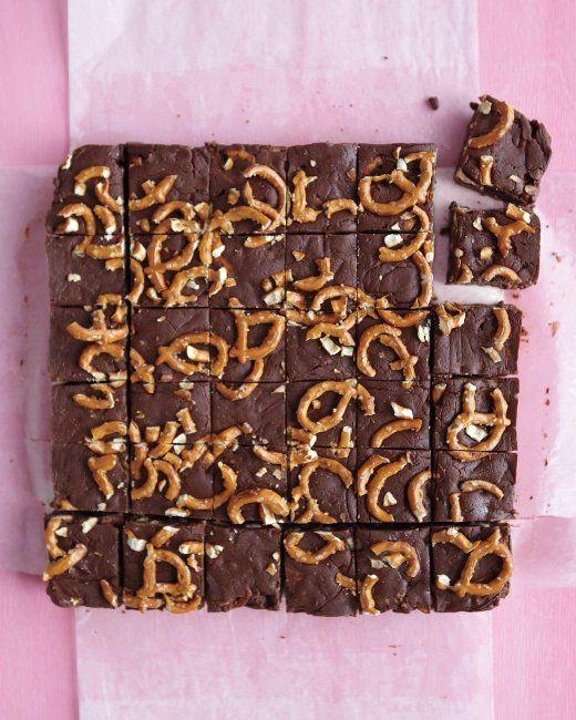 Easy Chocolate Fudge with Pretzels Recipe
