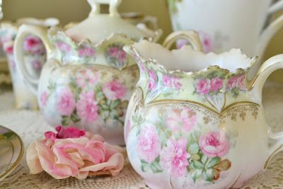 Beautiful! Don't you love how artistic tea cups and tea pots can be!