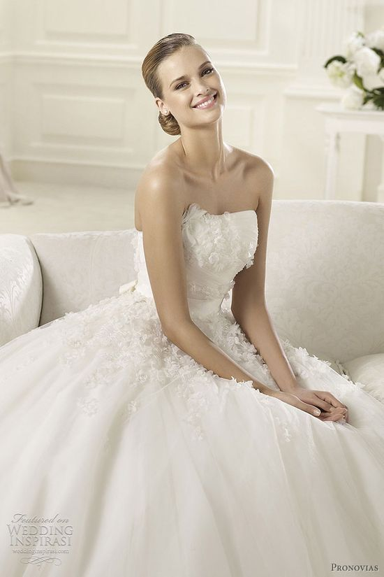 pronovias 2013 collection wedding dress