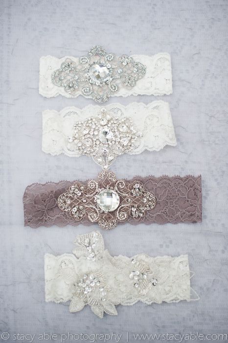 vintage inspired garters, sexy can I.