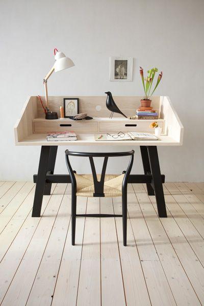 Minimalist desk (by SlowWood)