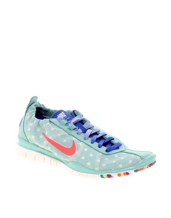 Spotted Running Shoes / Nike