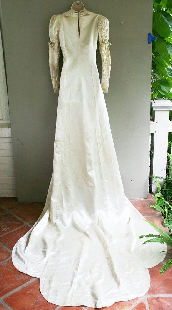 Wedding dress c.1930/40s