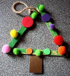5 Christmas ornaments to make with kids.