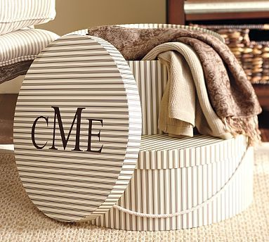 Monogrammed hatboxes :)