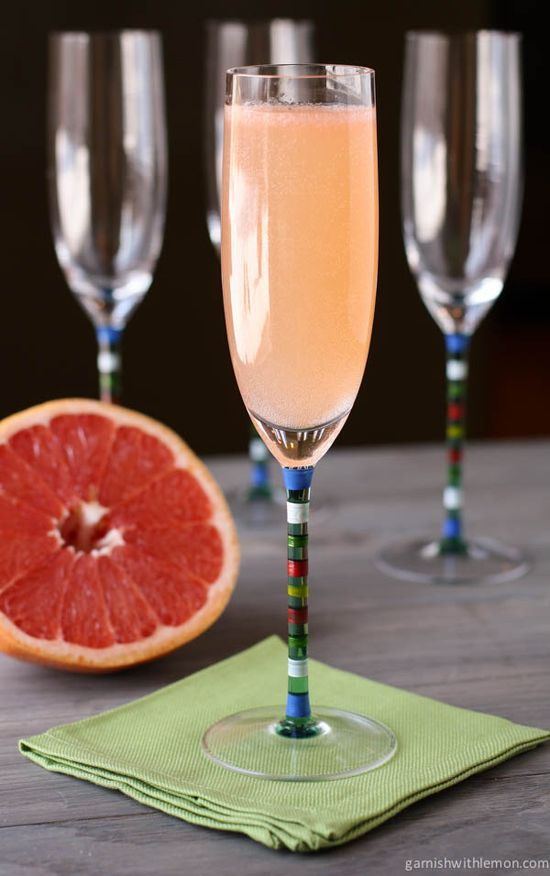 This Ginger Grapefruit Sparkler mixes bubbly prosecco with spicy ginger liqueur and tangy grapefruit juice - perfect for brunch!
