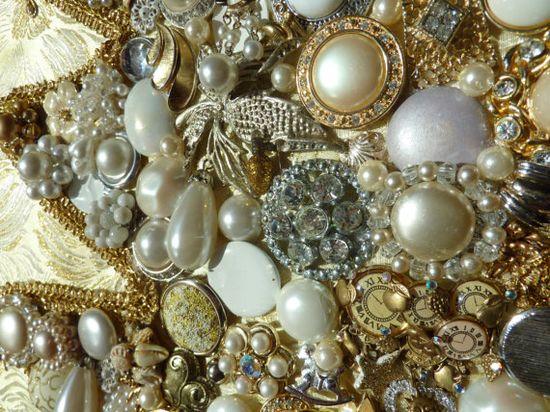 Beautiful Glitzy Framed Christmas Jewelry Tree by smoopsiesgalore, $211.00