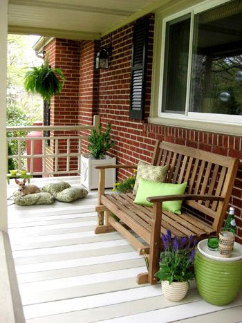 Painted stripes on the porch