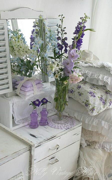 Shabby Chic Bedroom, she likes this mix - ideasforho.me/... -  #home decor #design #home decor ideas #living room #bedroom #kitchen #bathroom #interior ideas