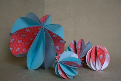 Paper ball ornaments - perfect Christmas decorations